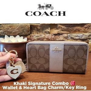 *CLEARANCE SALE* NEW Coach Wallet & Key Charm 💖